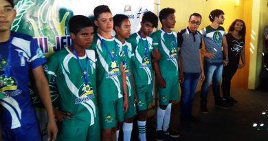 Campeões dos Jogos Escolares de Davinópolis recebem premiação