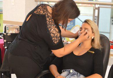Workshop de maquiagem gratuito ocorre nesta quinta em shopping de Imperatriz