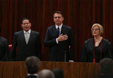 Em solenidade de diplomação Bolsonaro, pede confiança de quem não votou nele