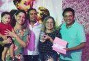 Mulher ganha par de alianças em Bolo de Santo Antonio e doa prêmio para casal