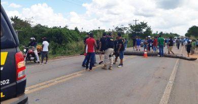 BR-316 é interditada por mais de 1 hora em protesto de indígenas no Maranhão