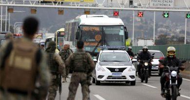 Sequestrador estava em surto psicótico e ameaçou incendiar o ônibus, diz governador do Rio