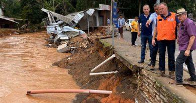 Mais de 10 mil são desabrigadas pelas chuvas no Espírito Santo