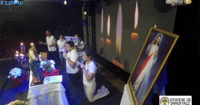 """Diocese de Imperatriz recorre as """"lives"""" durante a virgília de Pentecostes"""